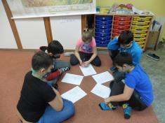 Ve skupinách jsme seučili básničku proMikuláše.