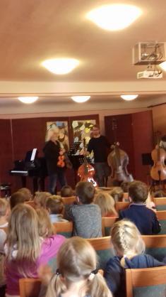 Výchovný koncert- Smyčcové nástroje